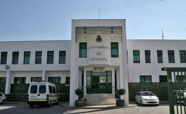 El jefe de la polic a local de granada procesado por el for Juzgado de guadix
