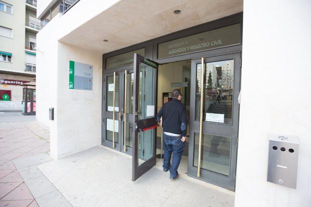La junta mudar las oficinas del registro civil al for Oficinas registro civil