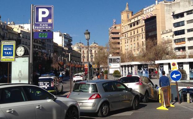 Granada a rebosar de turistas por el puente de la inmaculada ideal - Parking plaza puerta real en granada ...