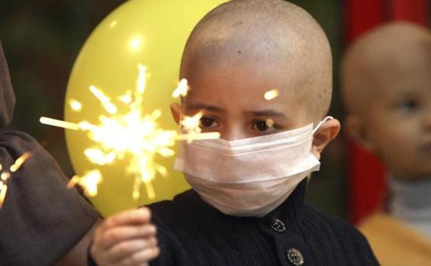 Los niños con cáncer ya podrán estar acompañados por sus padres en las UCIs