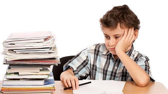 Los niños españoles, entre los más agobiados por los deberes del colegio