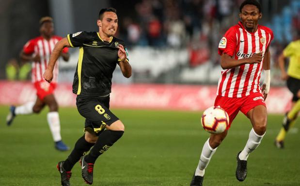 San Emeterio, en el partido ante el Almería./F. R.