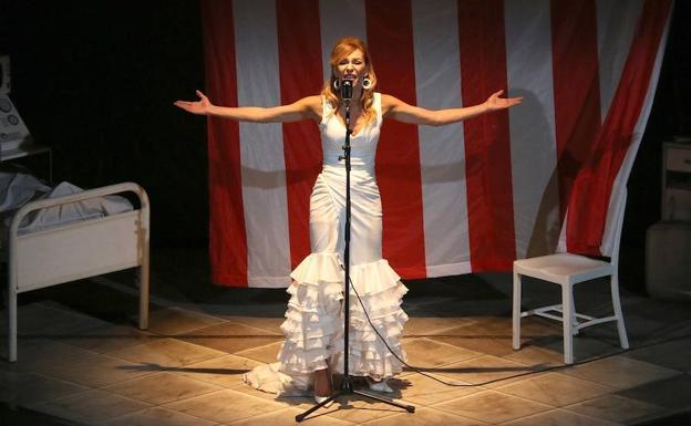 Elisa Matilla Dio Vida A Lola La Gibraltareña En La Muestra De