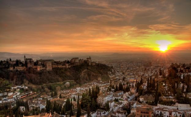 Resultado de imagen de Granada, el Mejor Atardecer del Mundo