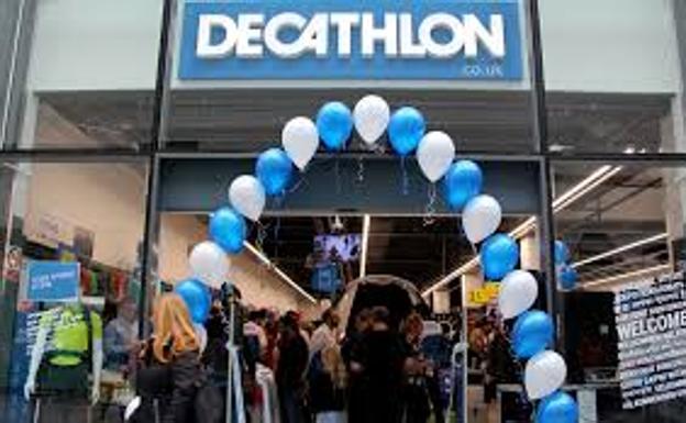 6bbae3f9b83 Los 5 chaquetones, impermeables y abrigos de mujer de Decathlon para Navidad
