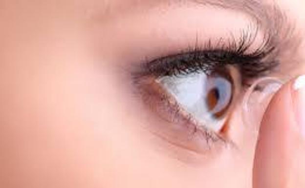 c36e26e3b2 Los '7 Mayores Mitos' sobre las lentes de contacto | Ideal