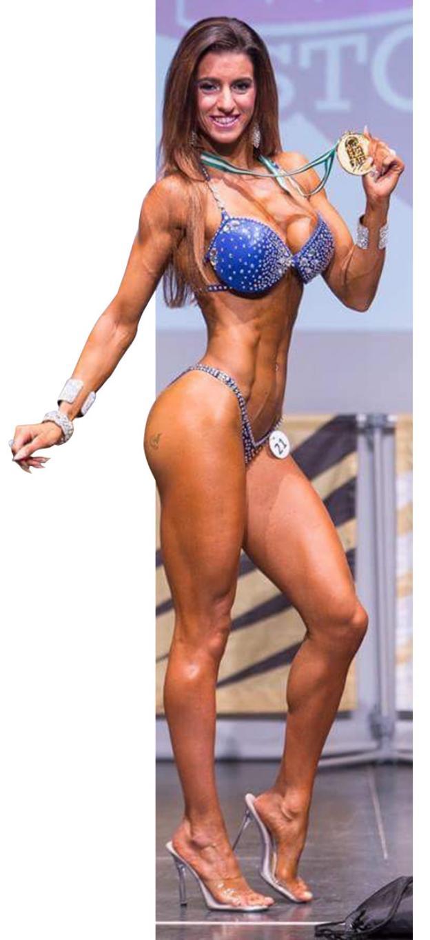 1 y 2.Jennifer Fernández muestra sus músculos durante sus sesiones de entrenamiento. 3 .Vestida con el uniforme de gala de la Guardia Civil. 4 .Con la medalla de oro obtenida en el Campeonato de España./