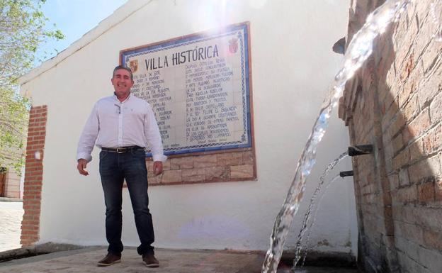 96aa31381 El líder de Vox en Gor se presentó por IU en 2015 y antes con el PSOE