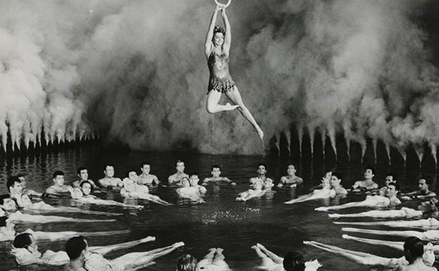 Esther Williams, en 'La primera sirena'./