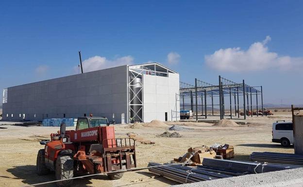 Obras a todo ritmo para terminar la planta de Escúzar en 2020