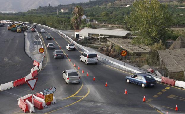 Conos en la N-323 para convertirla en 'autovía'.