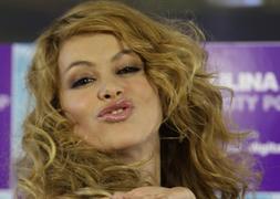 Paulina Rubio Me Encanta Pasear Desnuda Por Casa Ideal